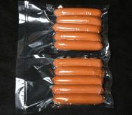 Вакуумная упаковка сосисок по 300 грамм в вакуумные пакеты